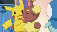 EP630 Buneary abrazando a Pikachu