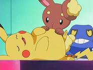 EP524 Pikachu empachado