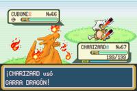 Charizard usuando Garra dragón en RFVH