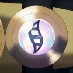 Piedra llave/activadora en el brazalete de <a href=