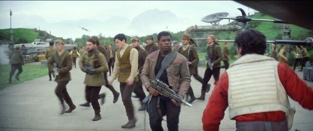 Archivo:Star Wars VII Tercer Tráiler27.jpg
