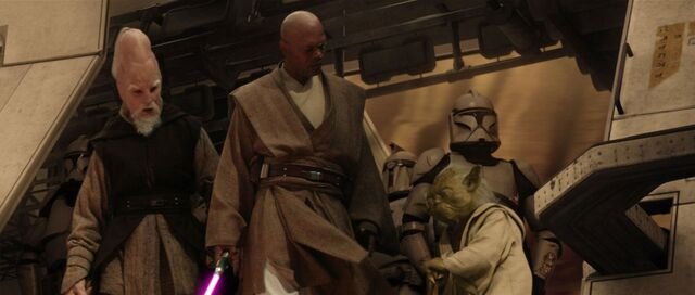 Archivo:Yoda mace windu ki-adi-mundi battle of geonosis.jpg
