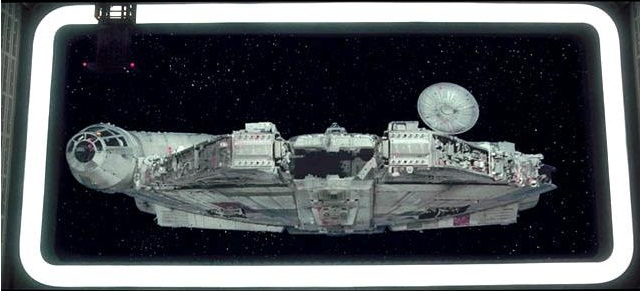 Archivo:Millennium Falcon captured.jpg