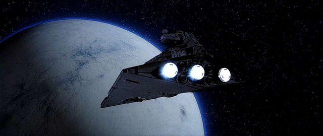 Archivo:Destructor a Hoth.jpg