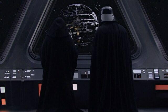 Archivo:Construction of the Death Star.jpg