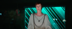 Mon Mothma on Yavin 4