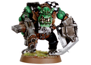 Noble Orko con garra y akribillador pezado