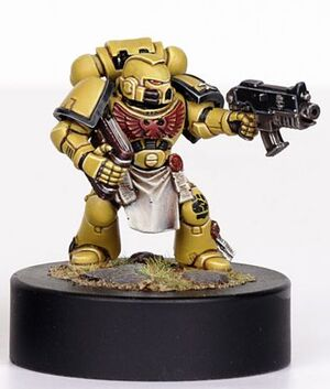 Nidon Miniatura Mithron Puños Imperiales Ultramarines Pelicula Wikihammer