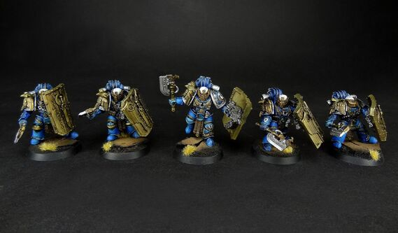 Suzeranos Invictarus Ultramarines