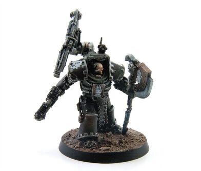 Padre de Hierro Exterminador Legión Manos de Hierro Clan Vurgaan Herejía de Horus