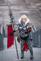 Cosplay hermana de batalla sudario de plata