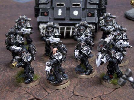 Manos de hierro gran cruzada wikihammer