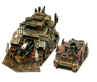Miniatura orko killblasta tank comparativa rhino zaqueado