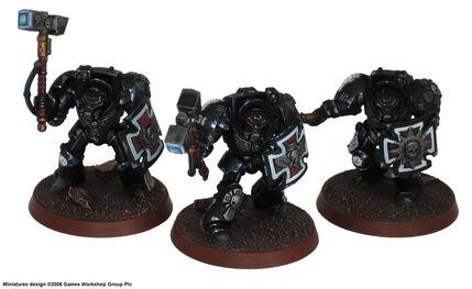 Manos de hierro exterminadores