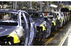 AUSTRALIA-The-Cost-of-Keeping-Auto-Makers-Local-US-Chrysler-Production-Line