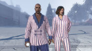 Sorpresa festiva 2016 - Pijamas y batín a rayas