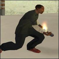 Carl Johnson con un Coctel de Molotov