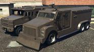 RCV y vehículo antidisturbios comparación