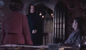 Umbridge pidiéndole veritaserum a Snape