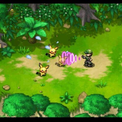 Pokémon Nappers atrapando Pokémon con los guantes de control.
