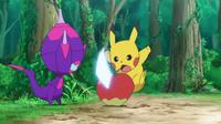 EP1010 Pikachu de Ash usando cola férrea