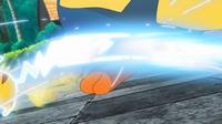 EP953 Pikachu usando cola férrea