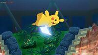 EP1080 Pikachu usando Cola férrea