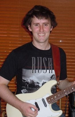 Archivo:Grunny-guitar-2.png