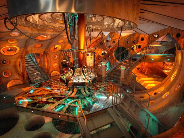 Archivo:Doctor Who spotlight.jpg