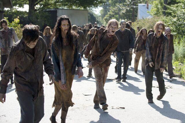 Archivo:Historias zombies.jpg