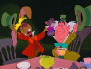 Alice-in-wonderland-disneyscreencaps.com-4896