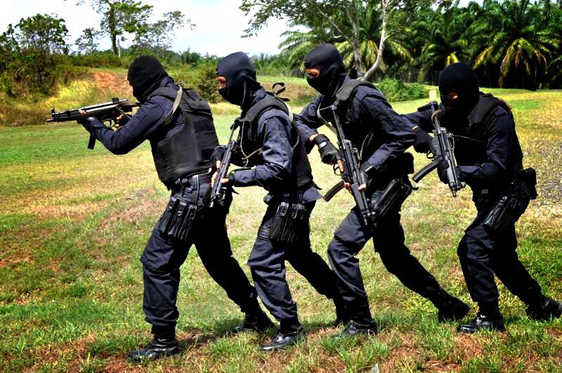Image result for malaysian police en route to find and fight Moro rebels pic