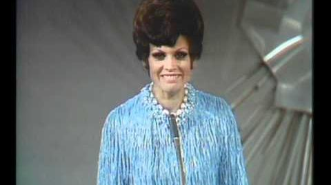 Eurovision 1969 - Spain - Salomé - Vivo cantando HQ SUBTITLED