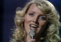 04 Norway - Anne-Karine Strøm feat. Bendik Singers - The First Day of Love (2)