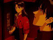 Misato y Kaji en el episodio 11