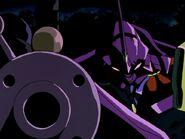 Episodio 6 EVA 01 apuntando