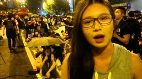 我在香港 ,他們大聲喊著和平 。
