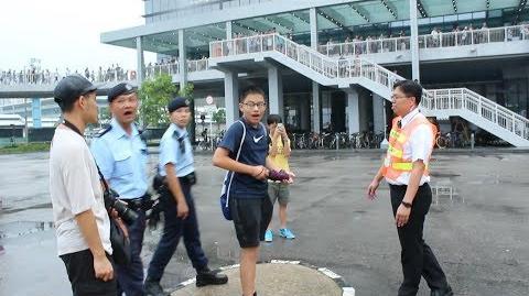 【巴膠系列】馬場開鑼日 知名巴敗蘇宗義(皇仁仔)挑釁巴士迷被圍罵 驚動警察介入