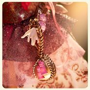 Facebook - Cupid Thronecoming accessories