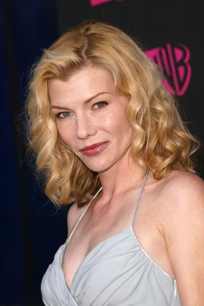 Stephanie Niznik actress