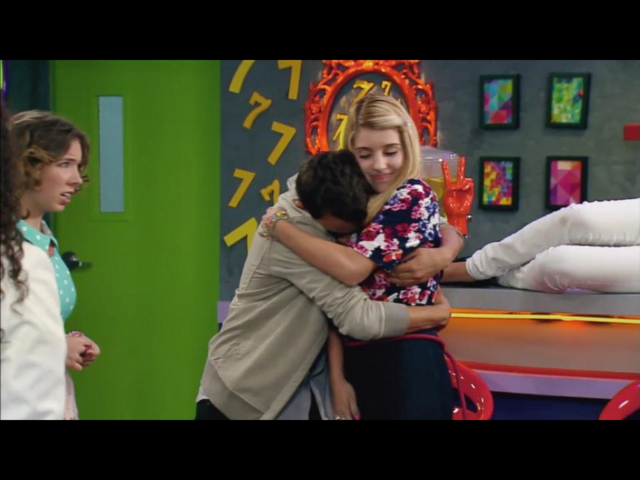 File:Miego hug.png