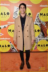 Rahart-Adams-On-The-Orange-Carpet-At-2015-Nickelodeon-HALO-Awards-At-Pier-36-New-York-Nick-Every-Witch-Way