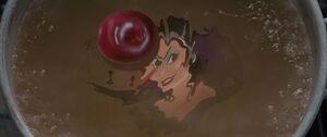 Queen Narissa's Poisoned Apple