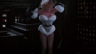 Selina Kyle-Catwoman (played by Michelle Pfeiffer) Batman Returns 117