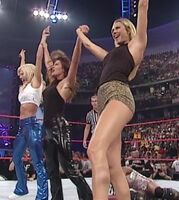 WWE Stacy Keibler Torrie Wilson RAW 2001.08.06 01