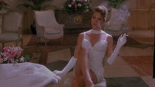 Michelle Rodham Huddleston (played by Brenda Bakke) Hot Shots 2 35