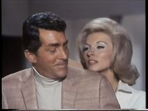 Barbara goes for her knife first time (Nancy Kovack with Dean Martin)