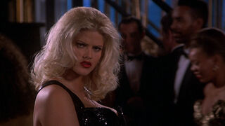 Tanya Peters in Naked Gun 3 (played by Anna Nicole Smith) 334