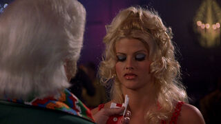 Tanya Peters in Naked Gun 3 (played by Anna Nicole Smith) 19