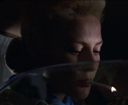 https://vignette.wikia.nocookie.net/evilbabes/images/4/4a/IndyJonesLastCrusade_AlisonDoody_cigarette6.jpg